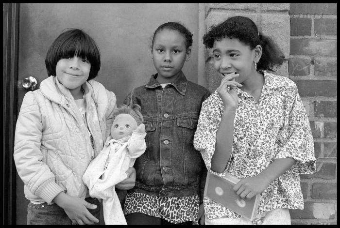 Janet Neuhauser, Three Girls on Dikeman Street, 1985